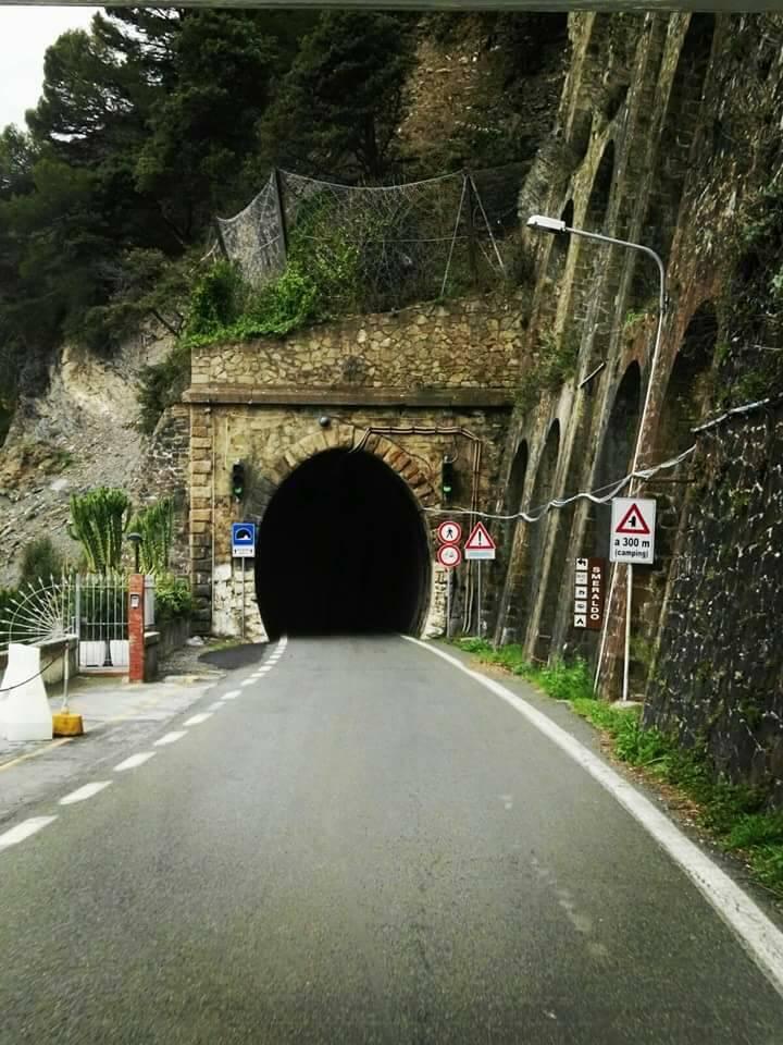 strada delle gallerie, moneglia, sestri (ph Viaggiare nella nostra italia)