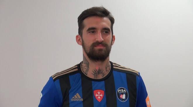 Il difensore del Pisa Antonio Caracciolo.