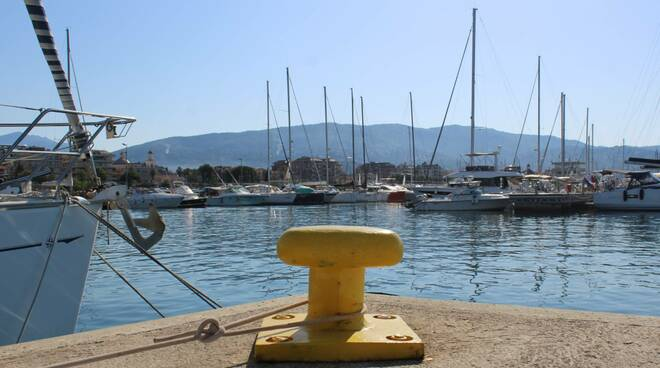 """Il porticciolo di """"Marina di Chiavari - Calata Ovest""""."""