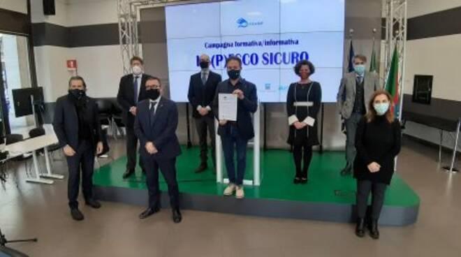 """La presentazione di """"Io (p)esco sicuro"""" in Regione Liguria."""