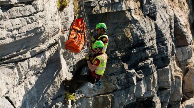 Un intervento particolarmente difficoltoso del Soccorso Alpino della Liguria.
