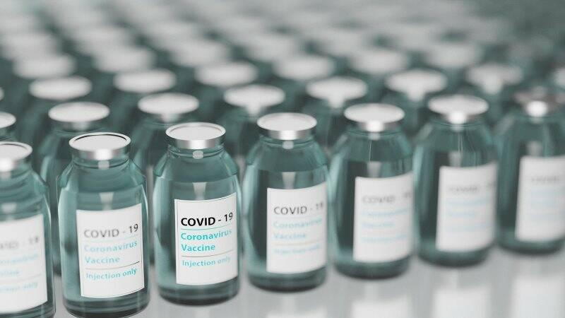 vaccino, covid, età,