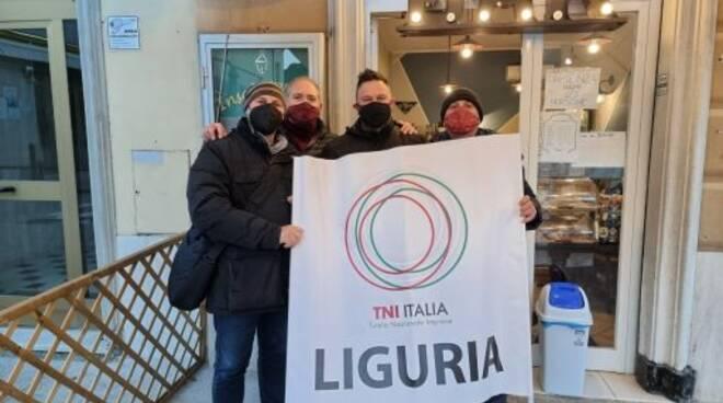Domenico Cianci e i ristoratori uniti nella protesta.