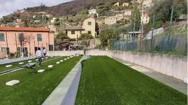 I lavori di riqualificazione del campetto del Santuario di N.S. del Boschetto a Camogli.