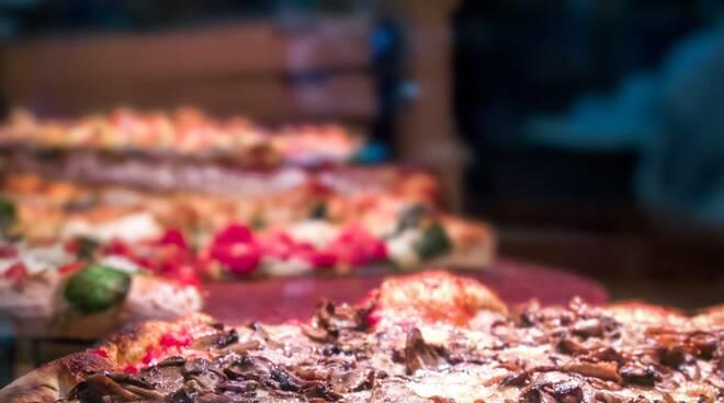 pizza, pizzeria (credits unpslash)