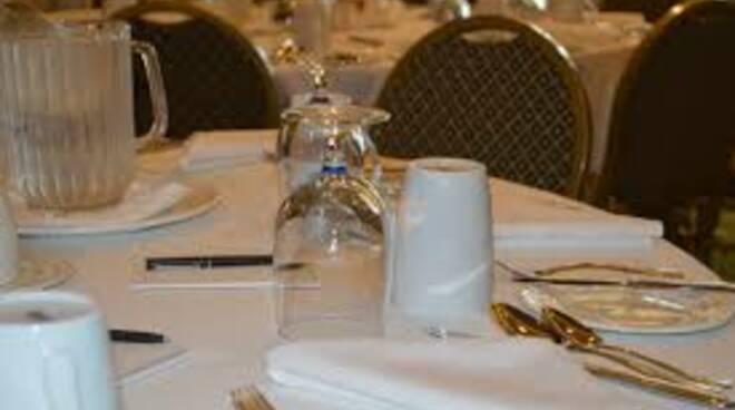 tavolo, pranzo, ristorante