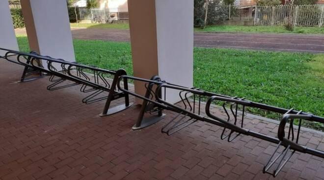 biciclette, rastrelliere, scuola, sestri
