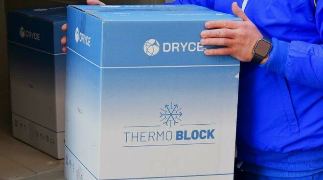Il thermo block di cosegna del Vaccino Moderna a Sestri Levante.