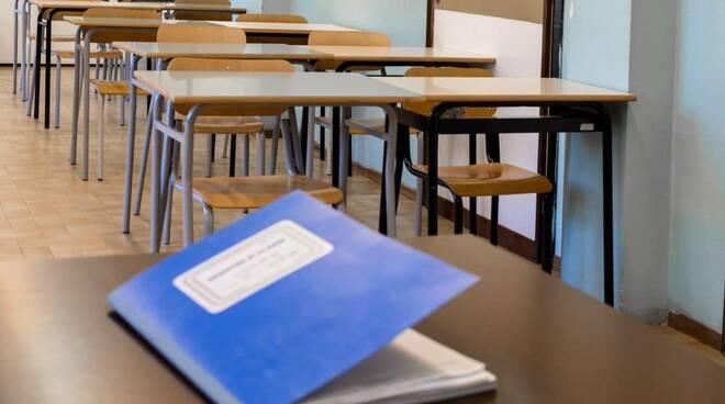 scuola, banchi, alunni, studenti