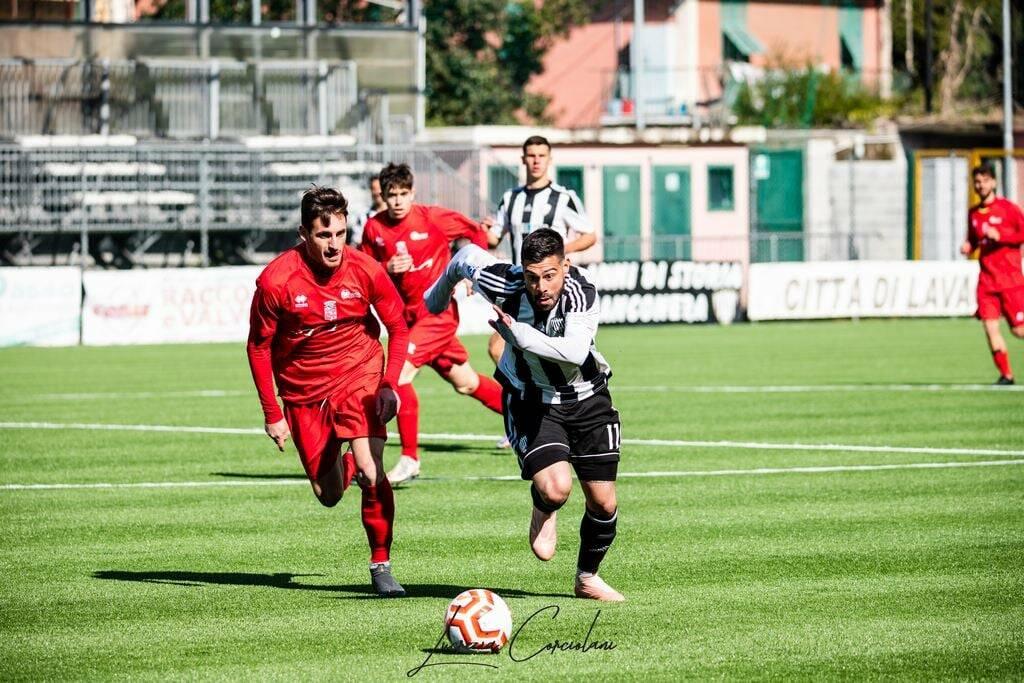 Simone Solinas, attaccante della Lavagnese, contro il Chieri. Photo Creditis: Lucrezia Corciolani