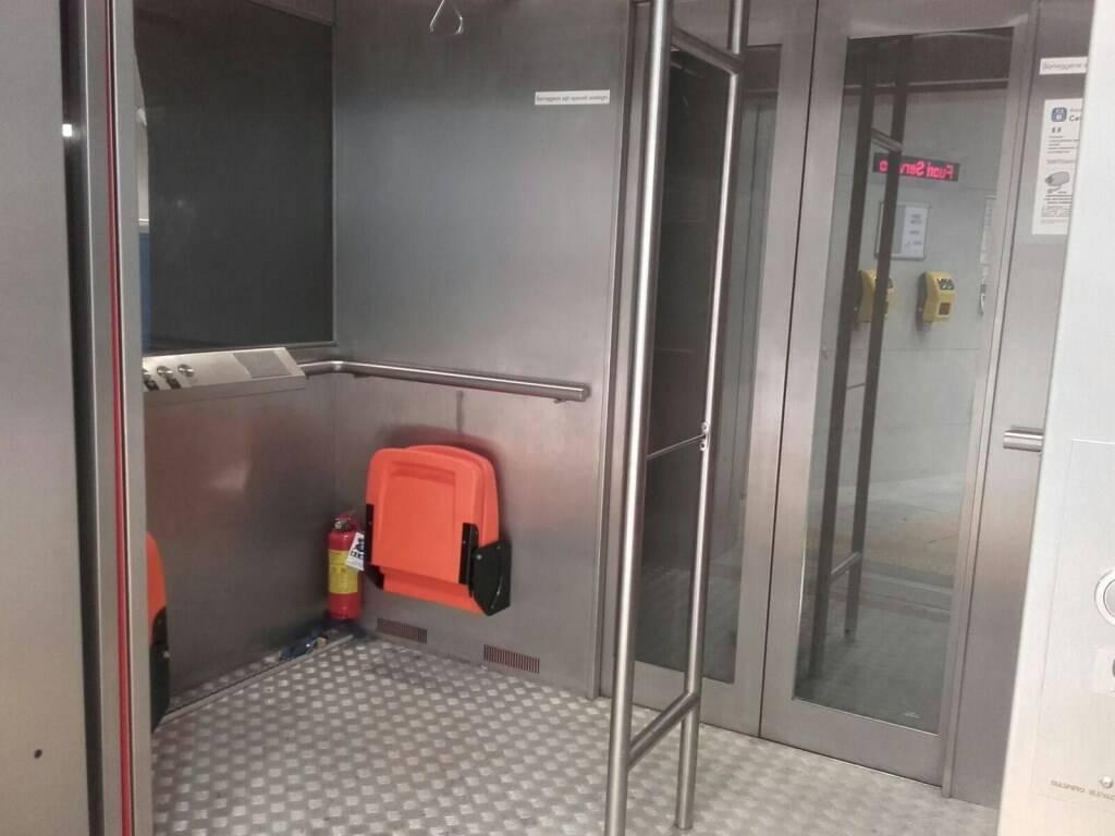 ascensore villa scassi