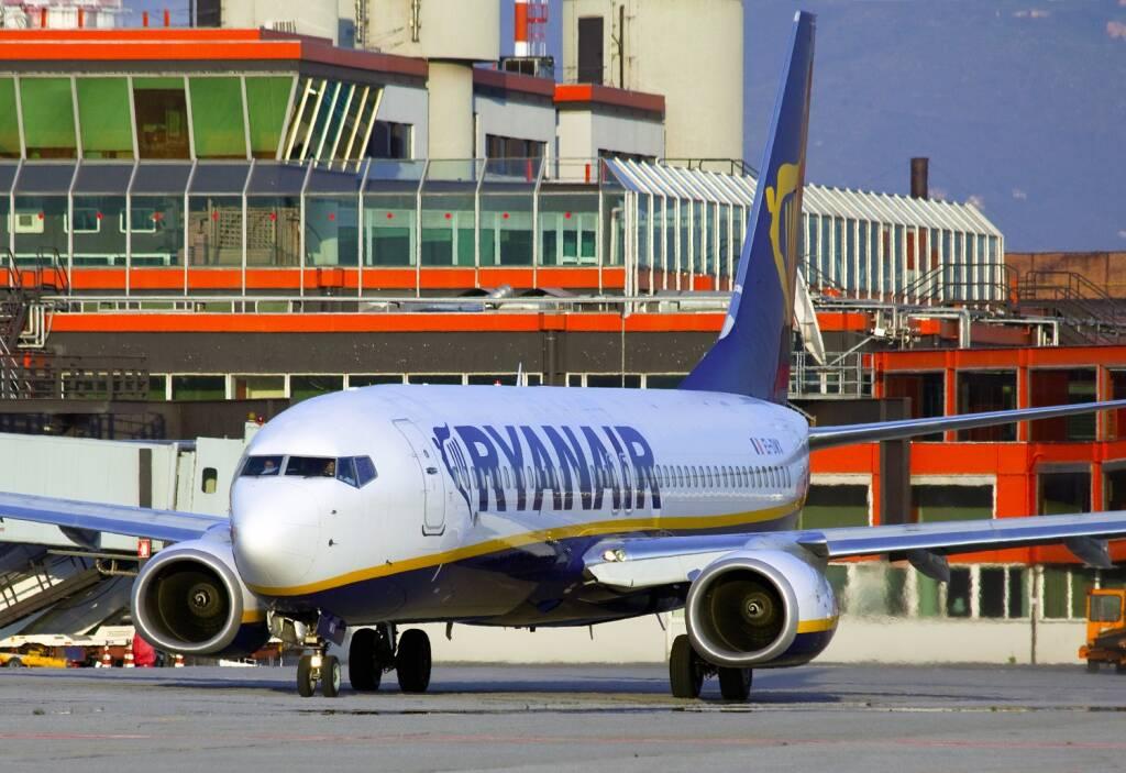Ryanair, genova, aeroporto