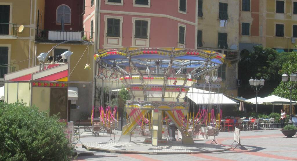 giostra in piazza