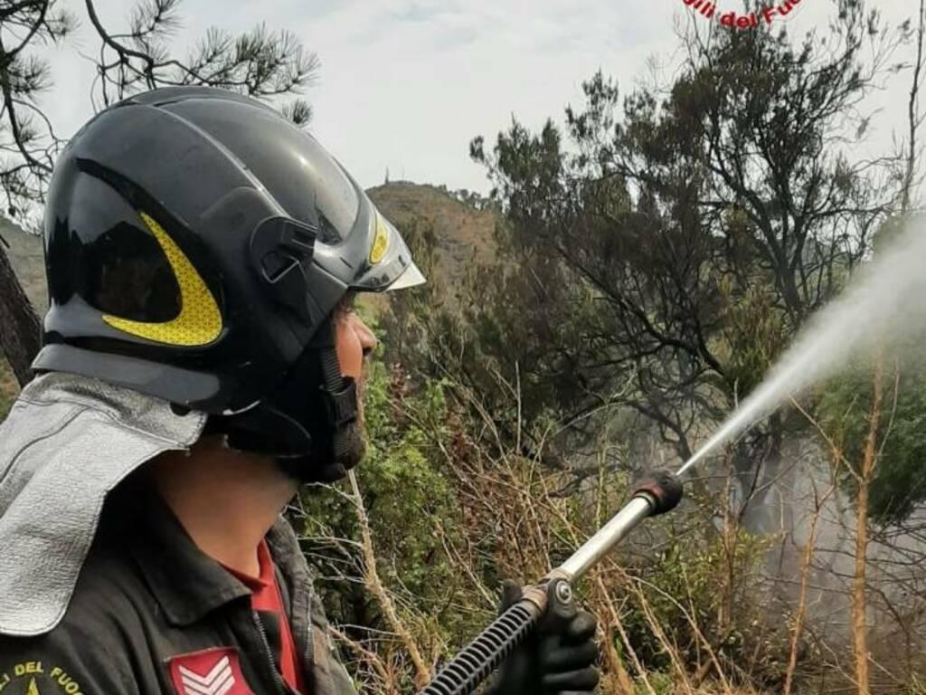 Sestri incendio Bargonasco