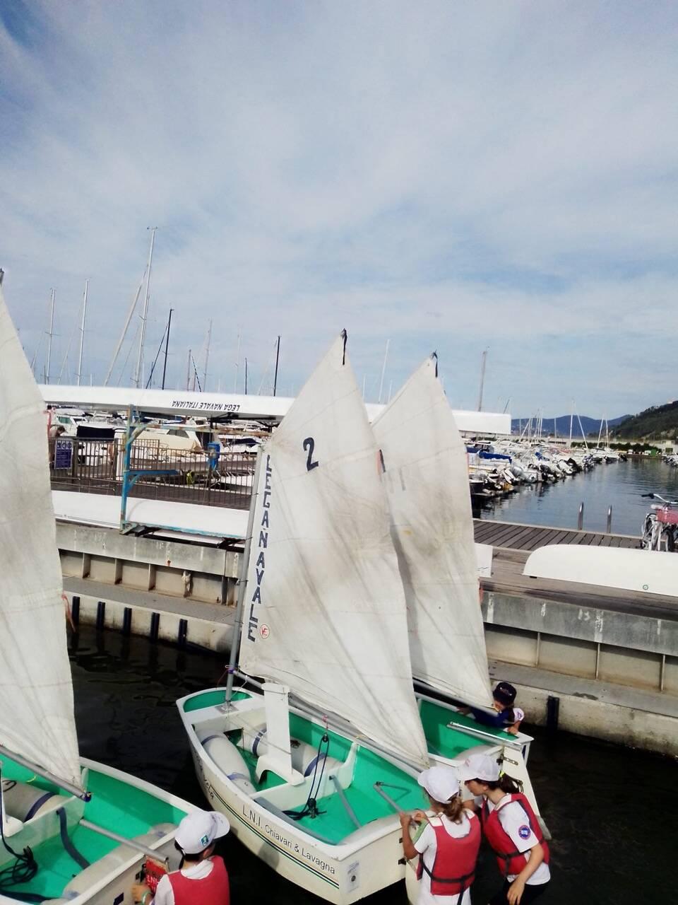 vele a mezz'asta per la morte di Marco Di Capua