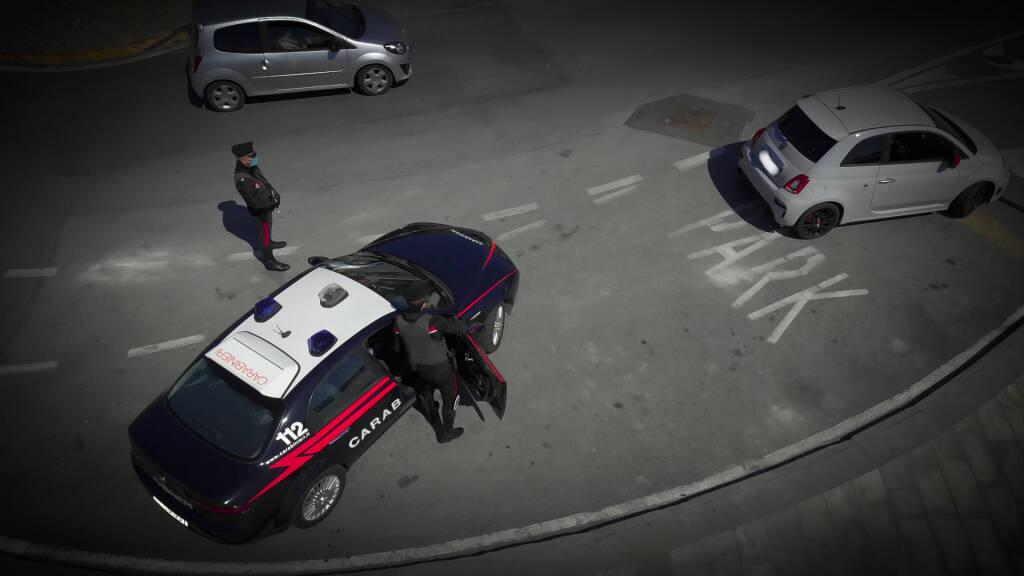 Auto d'opoca, i carabinieri hanno scoperto una banda che truffava gli appassionati