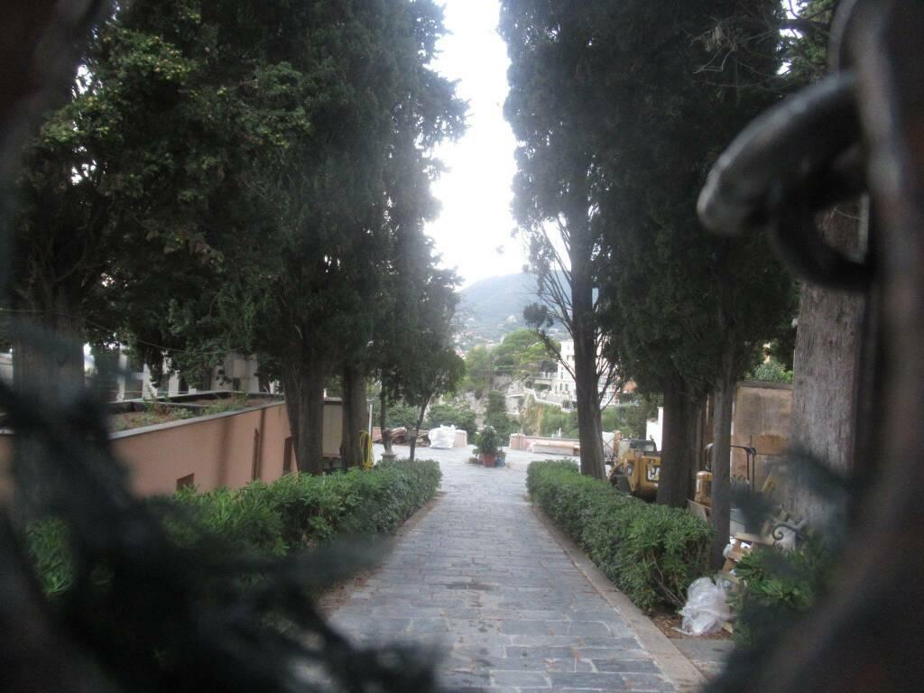 crollo cimitero