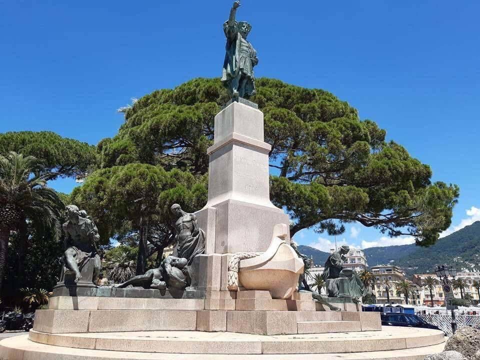 Rapallo monumento Colombo