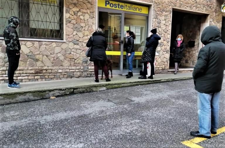 """Monterosso: """"Andare in Posta è un calvario, chiediamo l'apertura su 6 giorni"""""""