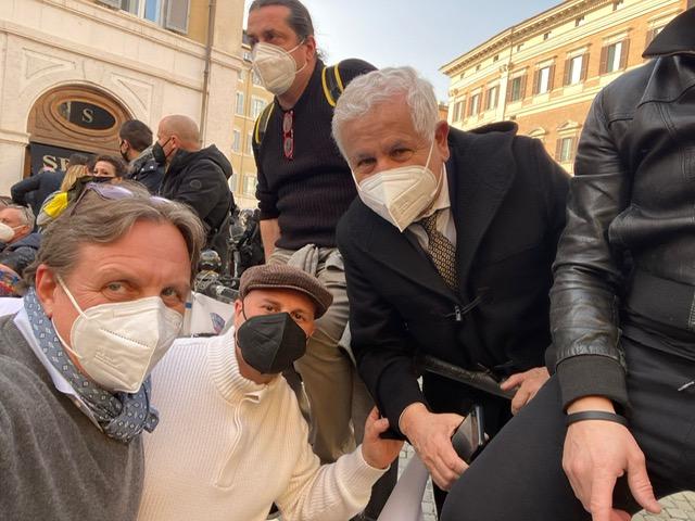 Rapallo: baristi e ristoratori in piazza, c'è anche Roberto Bagnasco