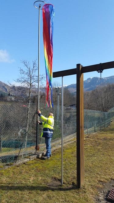 S.Stefano d'Aveto: elicotteri più sicuri con la nuova manica a vento