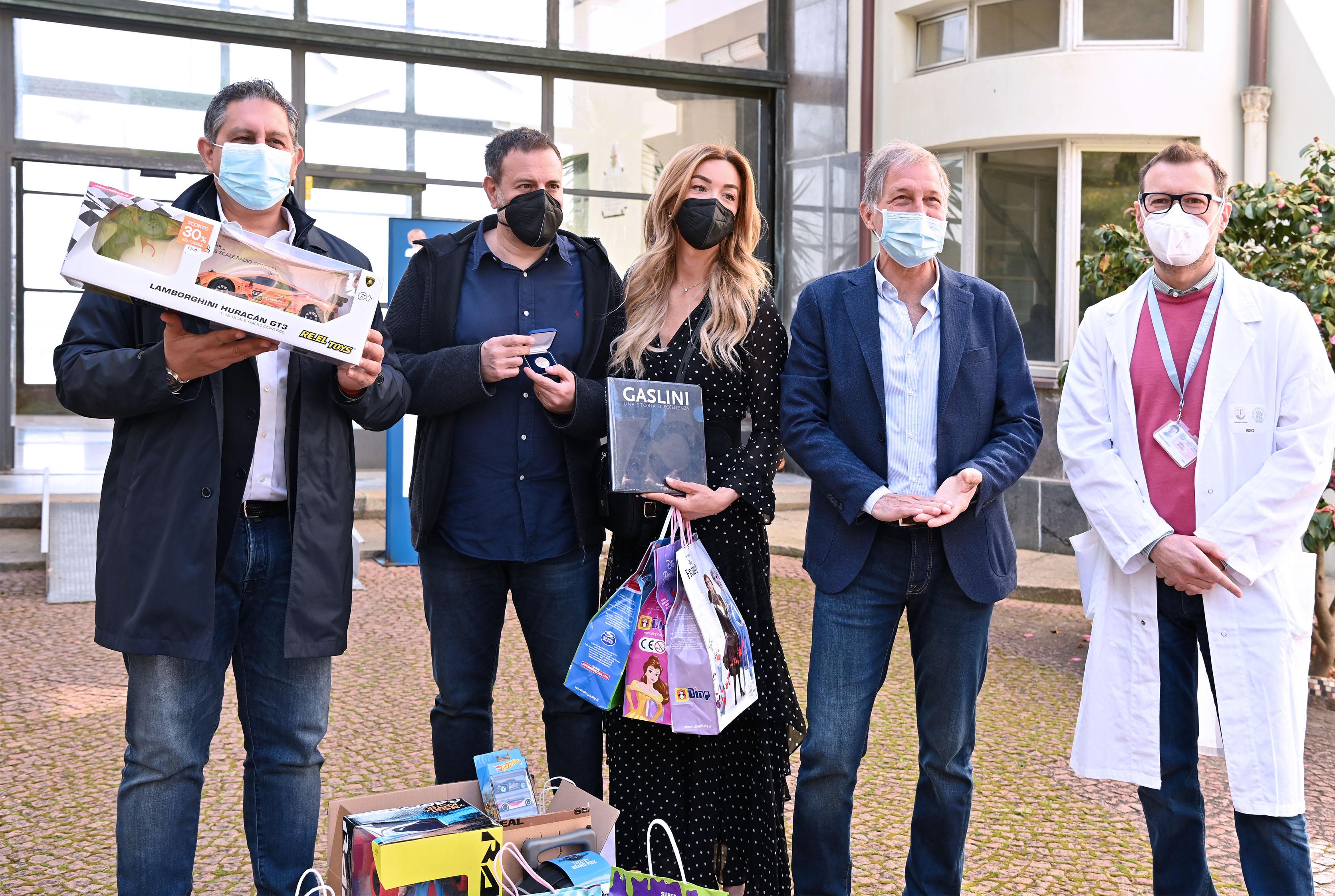 Gaslini: Silvia Salis in visita ai giovanissimi pazienti