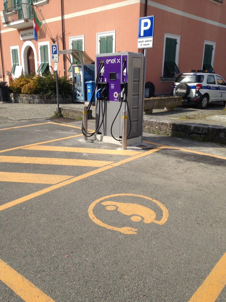 Brugnato: veicoli elettrici, da oggi attiva una colonnina di ricarica