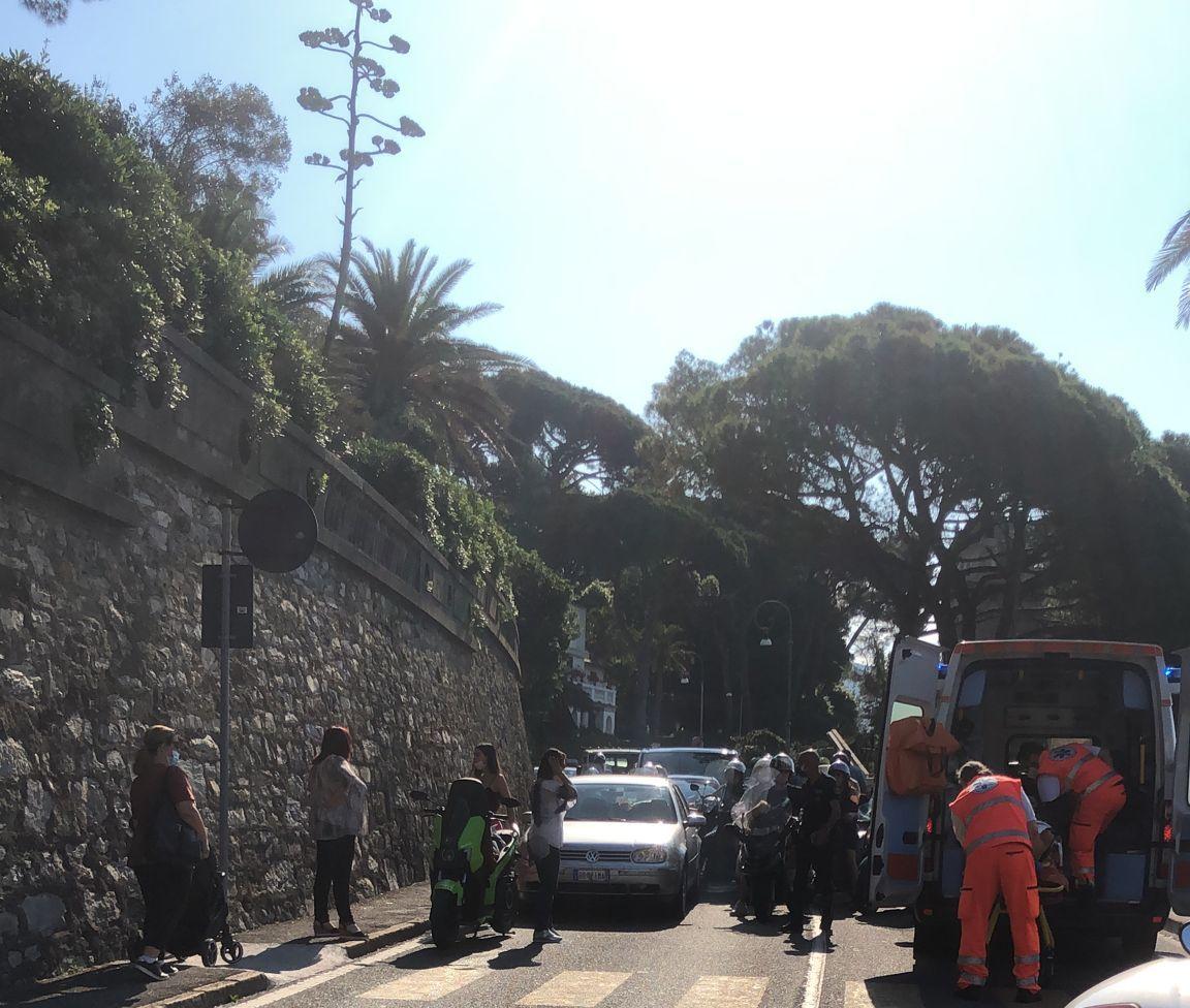 Rapallo: incidente a San Michele scooterista ferito