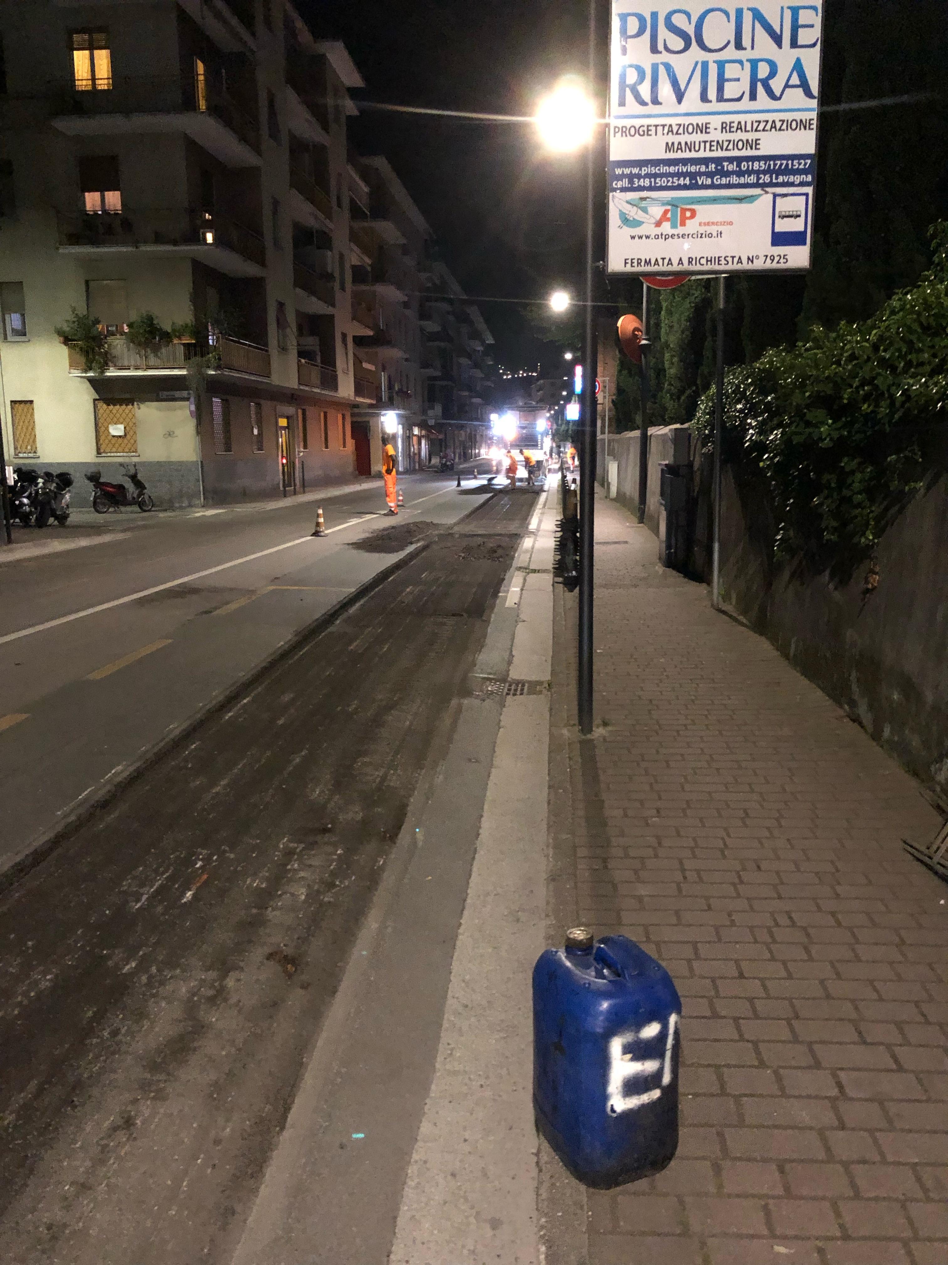 Rapallo: lavori nella notte, asfaltatura in via Mameli