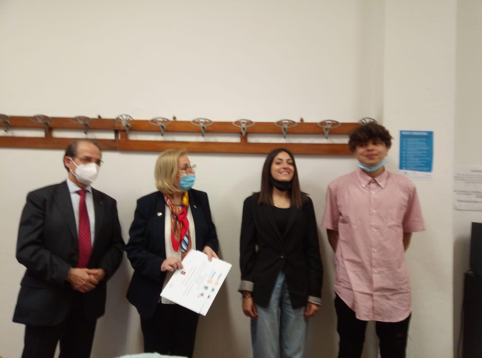 """Camogli: Concorso """"Mondo Scuola"""", il Rotary ha premiato i vincitori"""