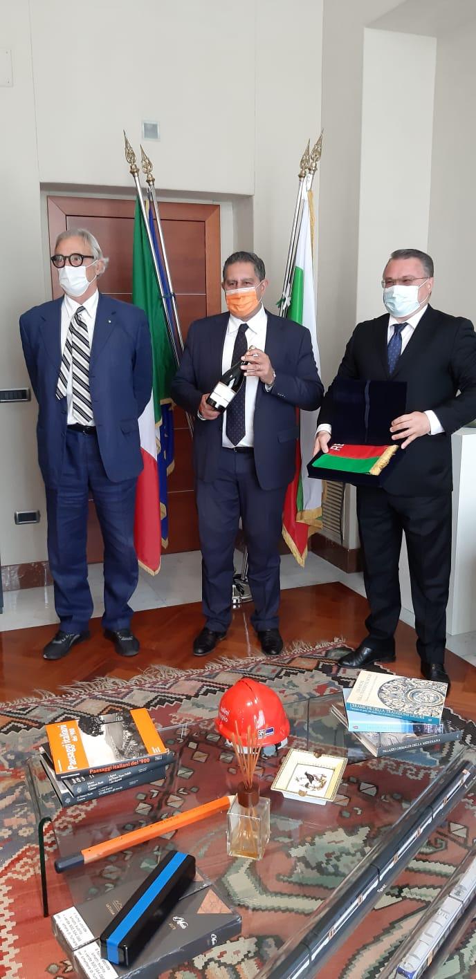 Incontro Toti con ambasciatore di Bulgaria